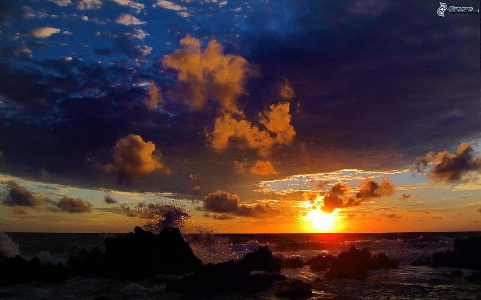 Zalazak sunca  - Page 4 Zapad-slnka-za-morom,-skalnata-plaz-153773
